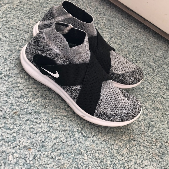 Nike Shoes | Nike Flyknit Laceless Will